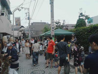 http://www.kyokai-dori.com/photo_album/2013/omaturi/omaturi1.jpg